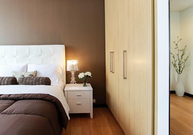 luxusní postel.jpg