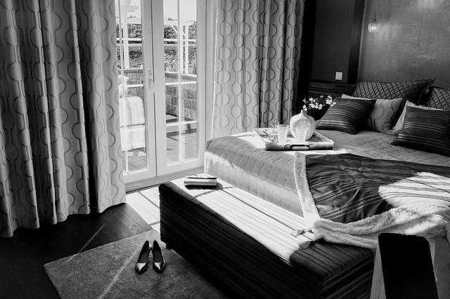tác na posteli.jpg