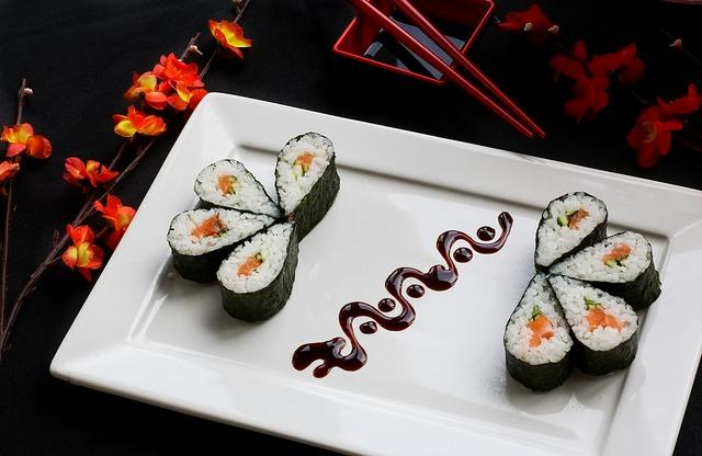sushi japonské jídlo