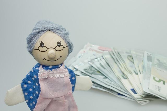 babička a bankovky