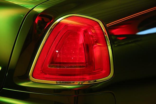 světlo na autě pohled zezadu